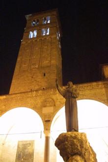 Campanile della chiesa Santa Maria cattedrale a Rieti