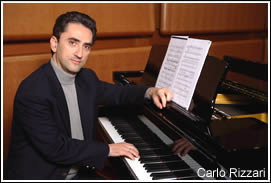 Maestro Rizzari al pianoforte