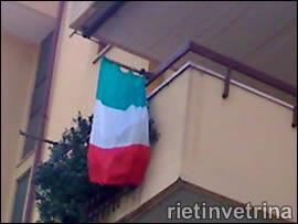 Balcone con il tricolore