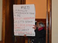 benito_rosati_irrompe_in_consiglio_comunale_22_12_14_a