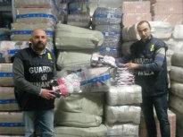 guardia_di_finanza_sequestro_9milioni_capi_abbigliamento