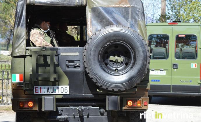 camionetta_esercito_1