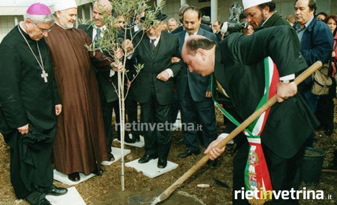 cimitero_di_rieti_apertura_padiglione_ebraico_musulmano_elio_toaff_antonio_cicchetti_2011_b