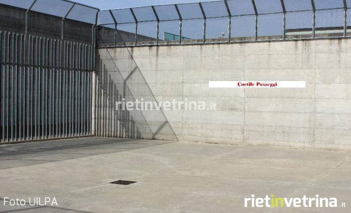 Detenuto aggredisce tre agenti della penitenziaria di Santa Maria Capua Vetere