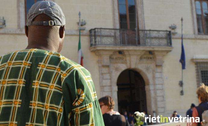 marcia_di_uomini_e_donne_scalzi_per_diritti_immigrati_11_09_15_d