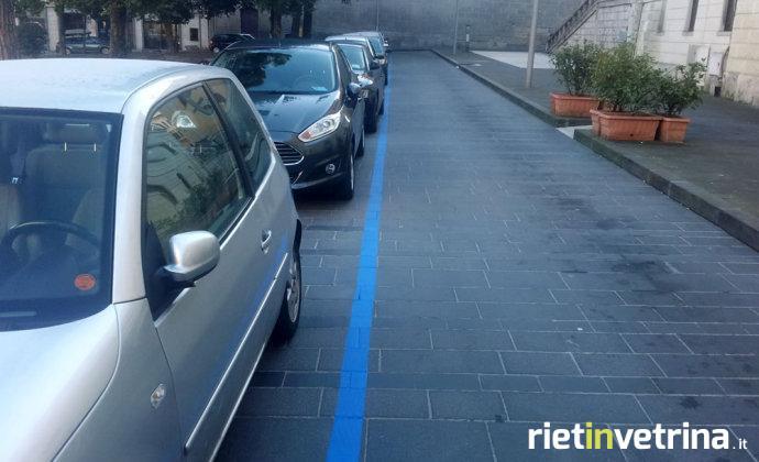 parcheggio_parcheggi_strisce_blu_piazza_oberdan_1