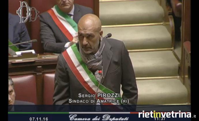 Sisma, il sindaco di Amatrice: serve no-tax area. Ci stanno abbandonando