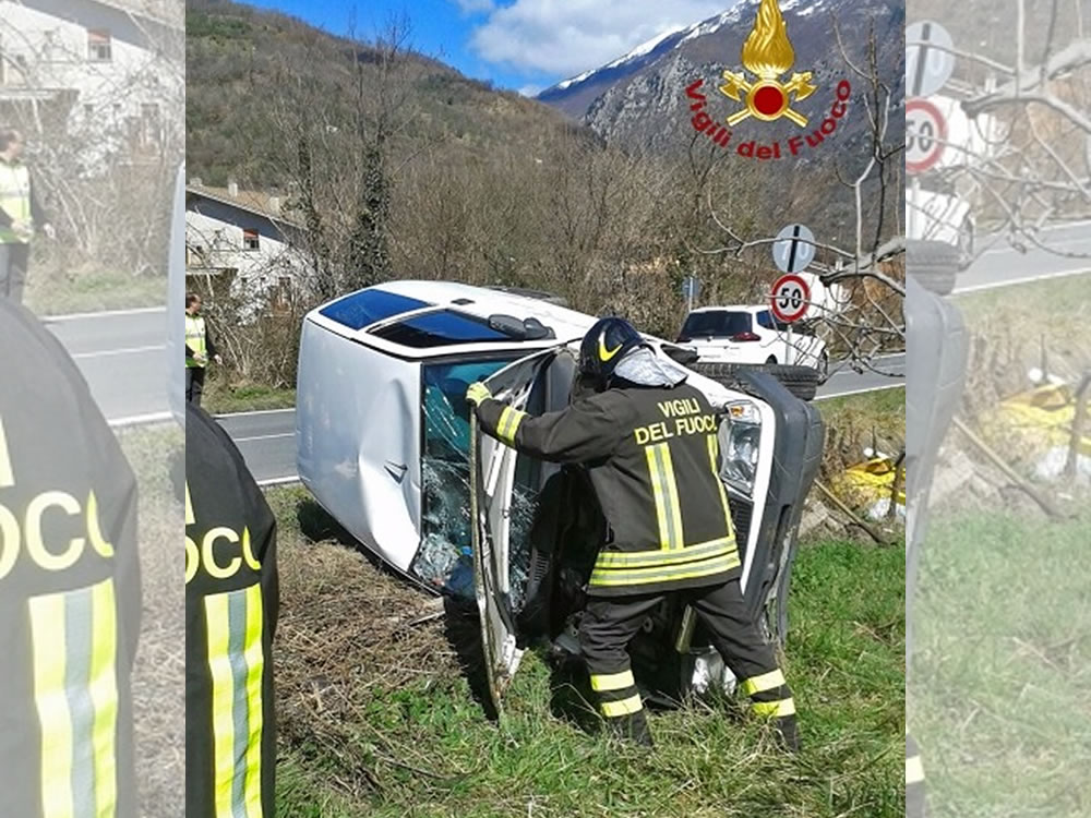 incidente_auto_foto_pompieri