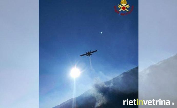 vigili_del_fuoco_incendio_boschivo_zona_castel_sant_angelo7