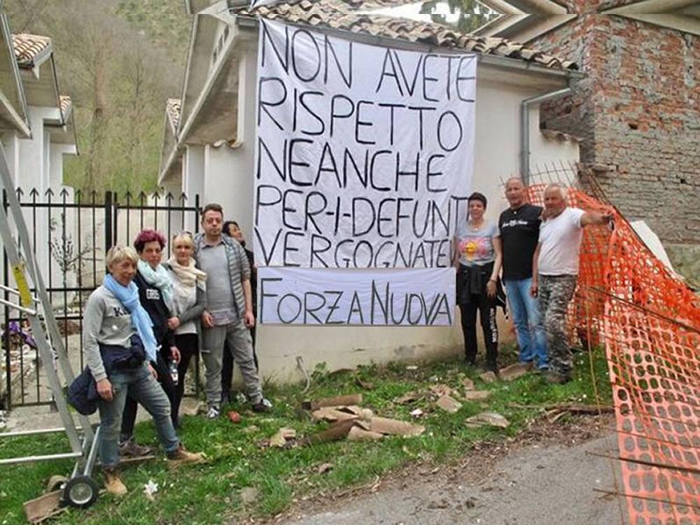 bare_cimitero_grisciano_accumoli_forza_nuova