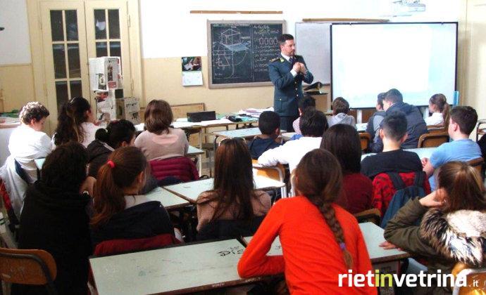 gdf_guardia_di_finanza_educazione_legalita_economica_a_scuola