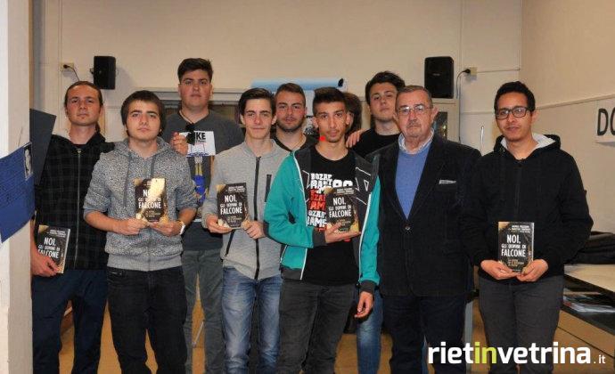 industriali_itis_celestino_rosatelli_studenti_incontrano_generale_arma_carabinieri_pellegrini