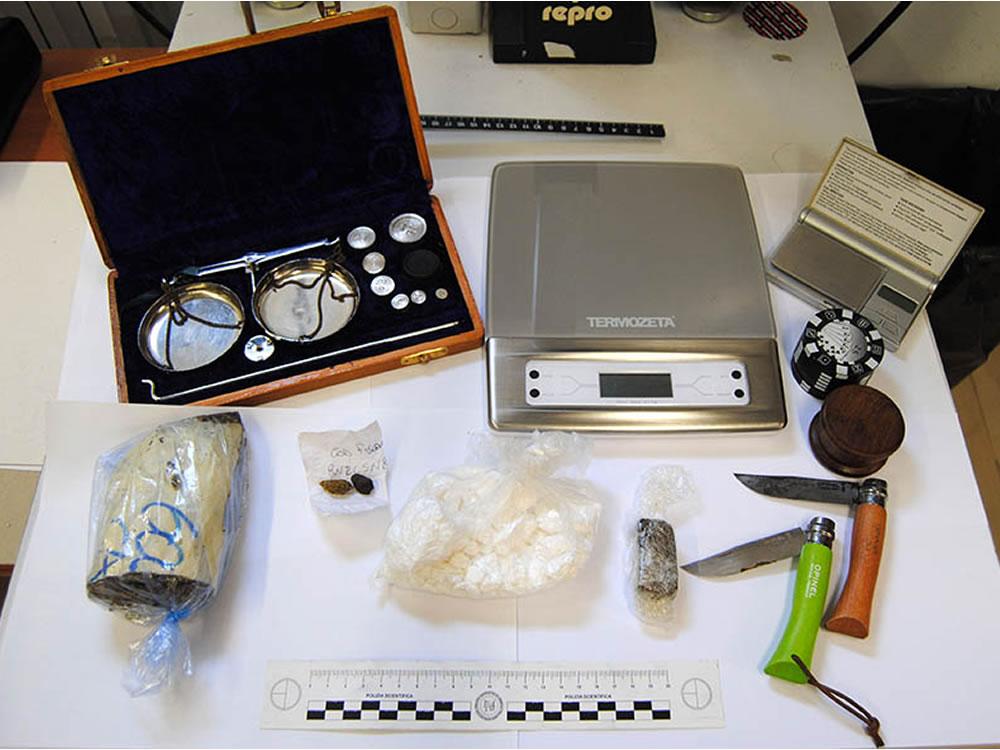 sequestro_droga_e_soldi_denaro_polizia_07_04_17_d