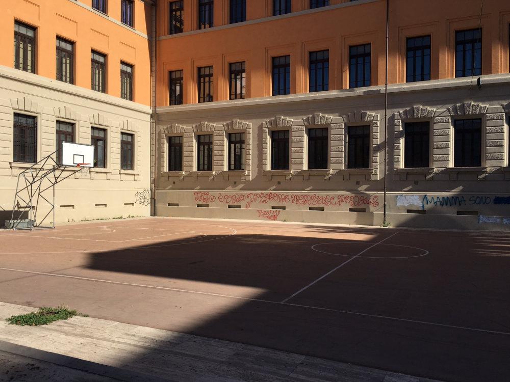 campo_basket_san_liberatore_palazzo_degli_studi_classico_megistrale
