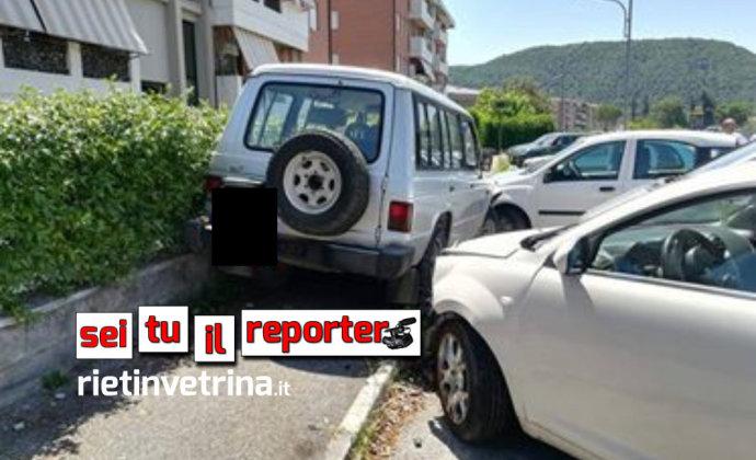 incidente_campoloniano_auto_parcheggiate