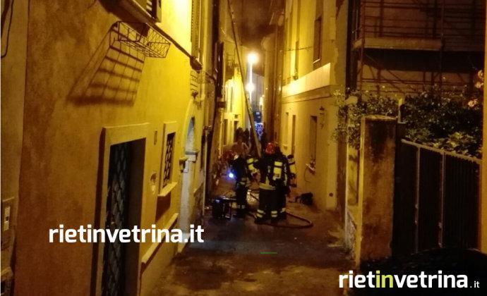 incendio_vicolo_via_barilotto_12_08_17_a