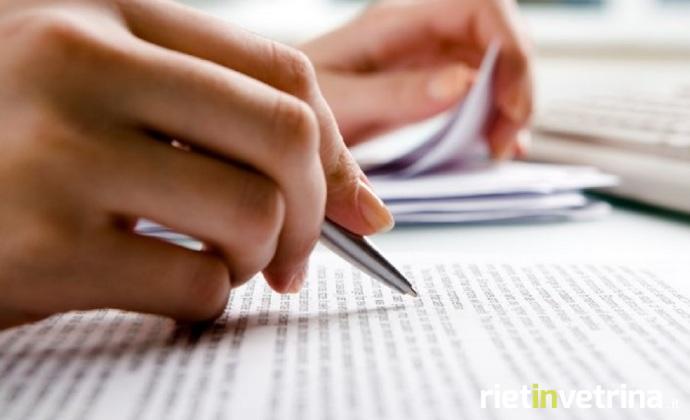 mano_che_scrive_con_penna_2