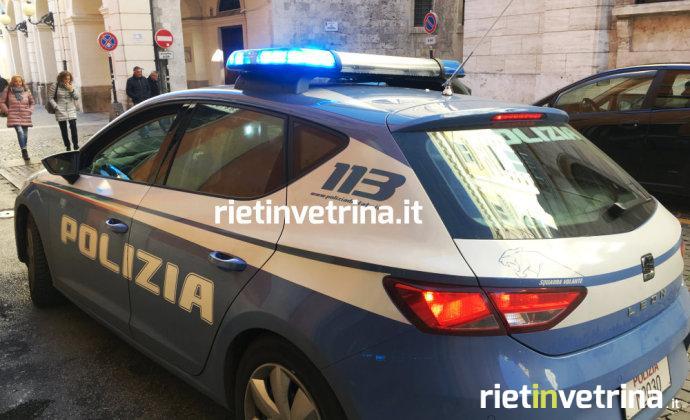 questura_polizia_volante_fermo_donna_poste_centrali_via_garibaldi_20_11_17_b