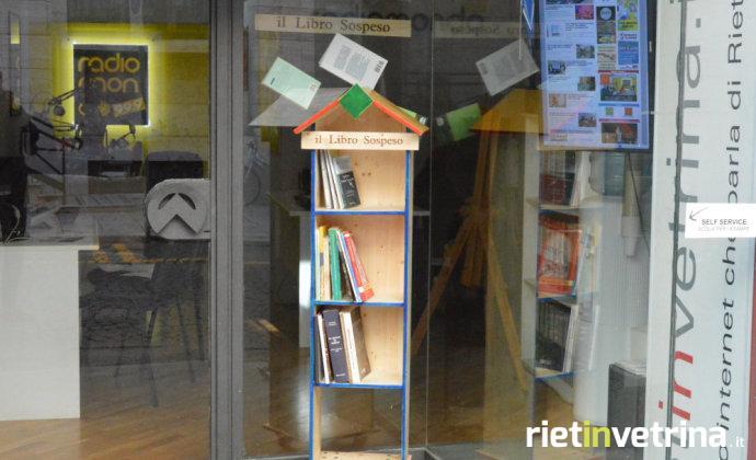 radiomondo_rietinvetrina_il_libro_sospeso_2