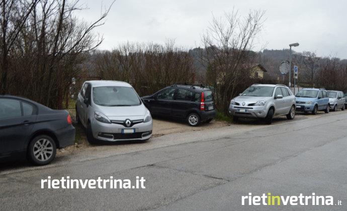 via_kennedy_parcheggi_parcheggio_ospedale_de_lellis_auto_divieto_di_sosta_13