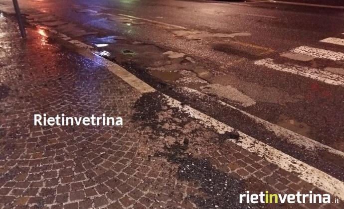 buche_asfalto_viale_maraini_rieti
