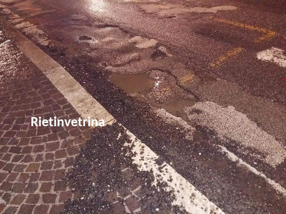 buche_asfalto_viale_maraini_rieti_3