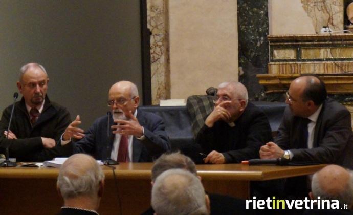 presentazione_libro_vescovo_lucarelli_2