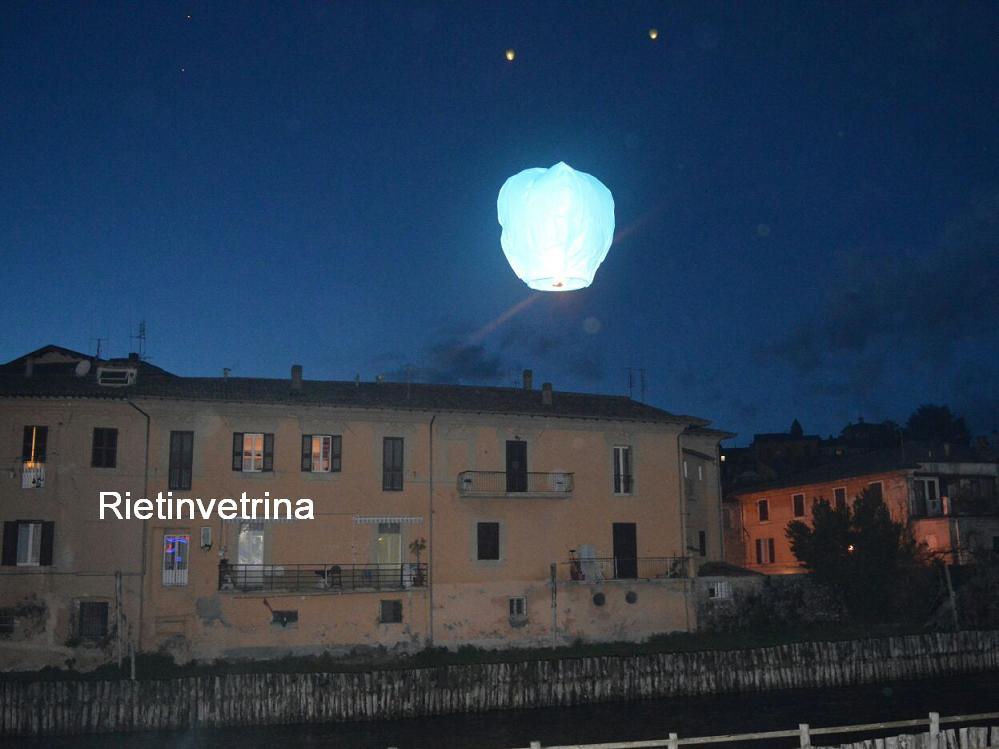giornata_mondiale_autismo_2018_fiume_velino_lanterne_luminose2