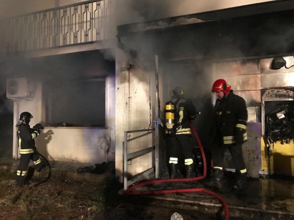 incendio_fiamme_poste_frasso_sabino_1