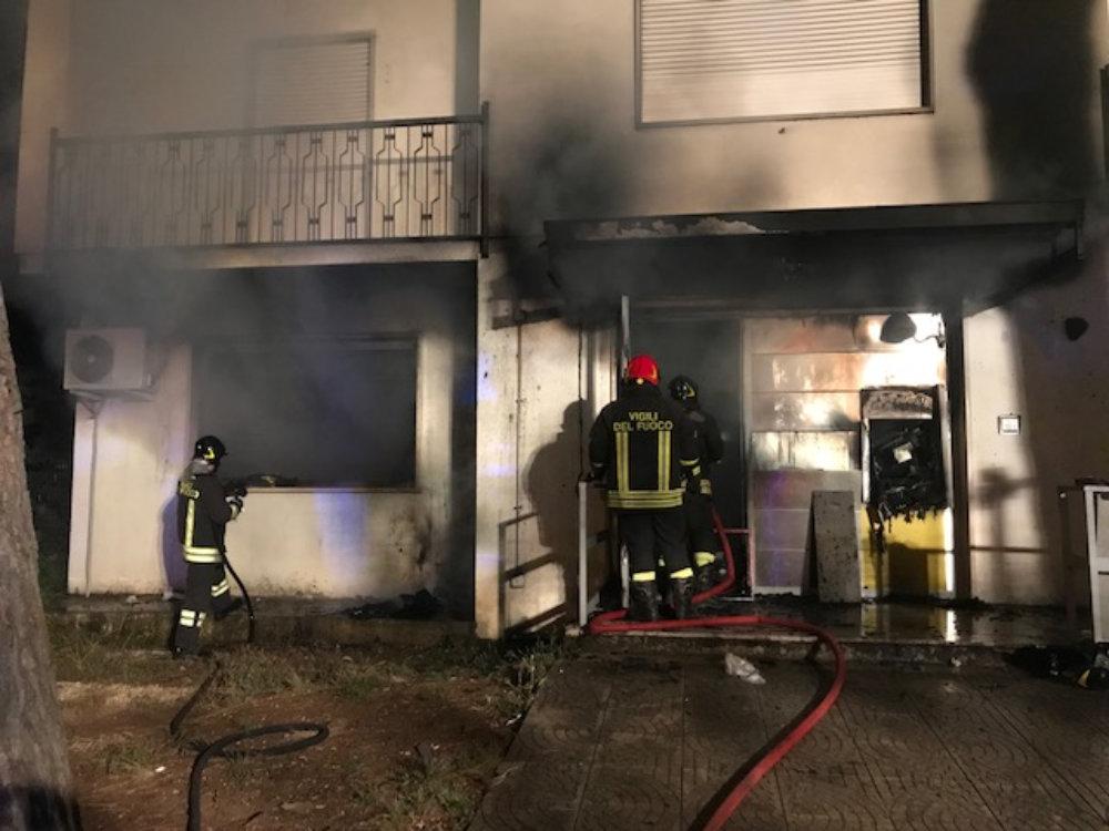 incendio_fiamme_poste_frasso_sabino_2